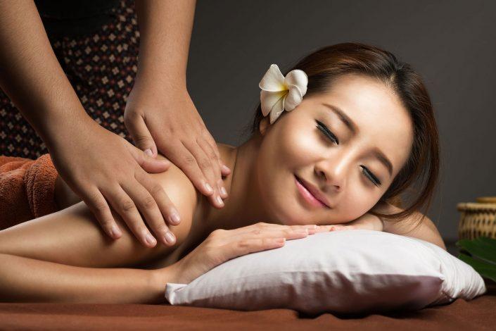 thaise nek schouder rugmassage